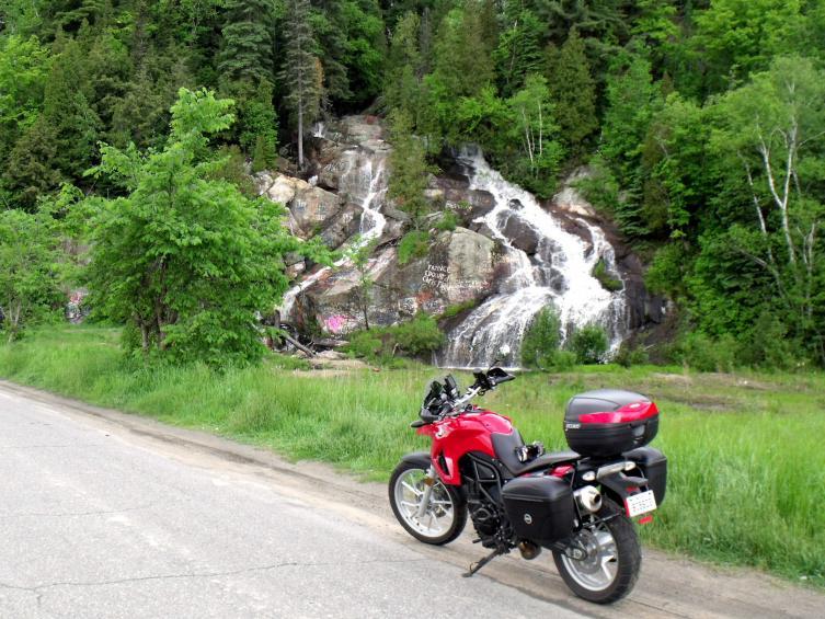Cliquez sur l'image pour la voir en taille réelle  Nom : Lac St-Jean  et Saguenay 009.jpg Affichages :221 Taille :99,6 Ko ID : 60968